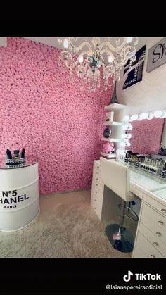 Beauty Room Salon, Beauty Room Decor, Makeup Room Decor, Makeup Studio Decor, Beauty Studio, Spa Room Decor, Room Ideas Bedroom, Esthetics Room, Nail Salon Decor