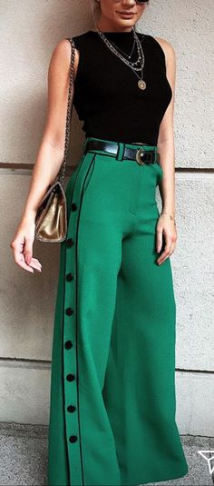 Summer 2018 and Resort 2019 trends and outfits Classy Outfits, Chic Outfits, Inspired Outfits, Fashion Pants, Fashion Outfits, Funky Pants, Pantalon Large, Pants For Women, Clothes For Women