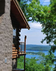 Eureka Springs Cabins at Sugar Ridge Resort
