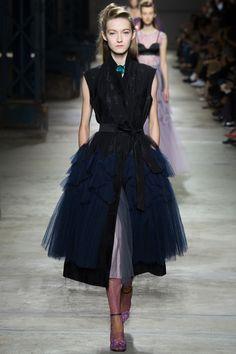 Dries Van Noten Spring 2016 Ready-to-Wear Fashion Show - Kasia Jujeczka (IMG)