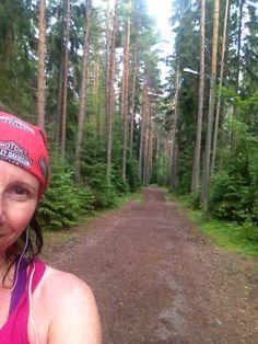 HARRASTUKSET: Juokseminen on ollut tärkeä osa elämääni muutaman viime vuoden ajan ja siksi olenkin nykyään paremmassa kunnossa kuin koskaan. Pitkillä lenkeillä mieli ja keho kevenevät.