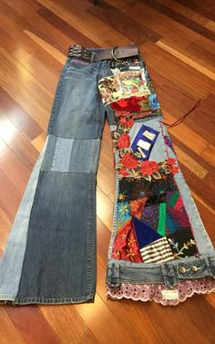 Handmade Hippie Boho Gypsy patchwork Up-cycled pair London Jeans This is for a pair of: London patchwork Blue Jeans Color: Mixed Blue Jeans Tag Size: 2 Waist: 29 Hips: 38 Inseam: 34 Rise: 8 Condition: Nice These are a really fun pair of jeans Boho Gypsy, Boho Hippie, Jean Hippie, Hippie Jeans, Gypsy Style, Hippie Style, Boho Style, Modern Hijab Fashion, Denim Fashion