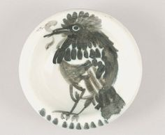 Pablo PICASSO Oiseau Coupe en céramique beige à décor peint noir