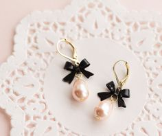 Classy Black & Pink Earrings . black bow and pink swarovski pearl by CocoroJewelry on Etsy