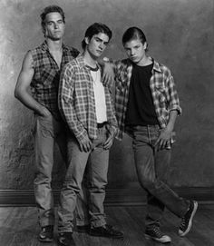 an analysis of characters in the outsiders by se hinton The outsiders, by s e hinton, is a coming-of-age story that compels readers to   she does this by defining the characters according to their individual traits, not.