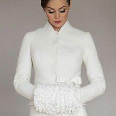 Bride accessories for winter jacke coat Wedding Coat, Wedding White, Solange Knowles, Winter Bride, Bride Accessories, Bolero Jacket, Celebrity Weddings, Pull, Retro Fashion