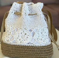 Como Aprender Fazer Crochê Ponto Alto Passo a Passo! Crochet Diy, Crochet Tote, Crochet Handbags, Crochet Purses, Crochet Crafts, Crochet Hooks, Crochet Stitches Patterns, Purse Patterns, Crochet Designs