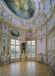 VERSAILLESADNESS | Schloss Solitude, Stuttgart, Deutschland.