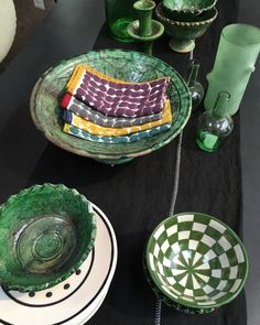 Gorgeous greens @caravane_paris #glazed #geo #green #rustic #tableware (at Le Marais, Paris IV)