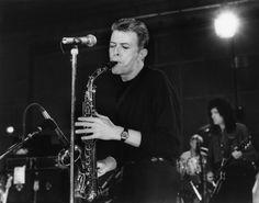 Bowie rocking his sax