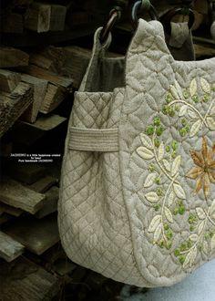 블루베리 잎을 모티브로 하여 만든 베리 퀼트 가방 입니다. 시간이 정말 빠르게 흘러가는 요즘 입니다.