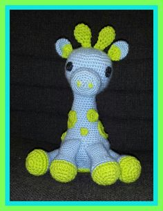 Crochet baby giraffe• I made this for a friend's baby. It's my first 3-D item\