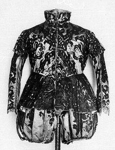 Court dress of elector August, from 1566, in collection of Historische Muzeum, Dresden, In: Bildindex.de