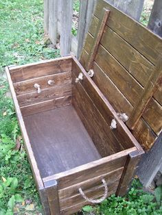 Wood Storage Chest - Make your own!