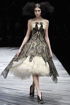Alexander McQueen Fall 2008 RTW peacock lace-and-tulle dress