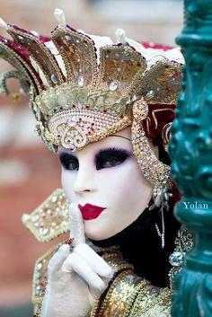 Plata máscara de ojo me Arlequines encanto colgante
