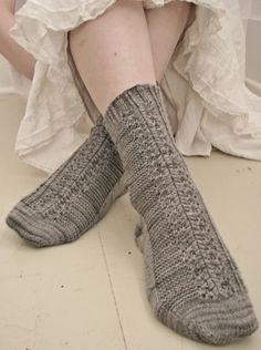 Mirror sock : Knitty.com - Deep Fall 2014