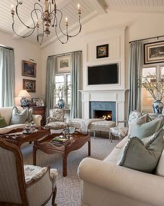 Cozy French Country Living Room Decor Ideas 08 – Trend Home Design French Country Rug, French Country Bedrooms, French Country Living Room, French Country Decorating, French Style, Modern Country, Southern Living, Living Room Decor Country, Living Room Decor Traditional
