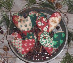 4 Primitive Christmas Hearts JOY Faux Patchwork Bowl Fillers Ornies Ornaments  #NaivePrimitive #ChooseMoosePrimitiveDesigns