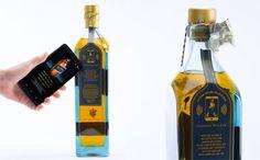 ¿Botellas inteligentes? una etiqueta de Johnnie walker Blue Label, capaz de detectar el estado de la botella (sellada o abierta) Descúbrela en http://www.infopack.es/diageo-se-acerca-al-consumidor-con-una-botella-inteligente-/innovacion-y-tendencias/739