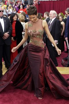 Oscars most iconic - 2002 - Halle Berry - Elie Saab