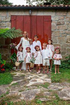 La boda de Pipi y Nacho en Galicia ©Elena Arroyo Just Married, Getting Married, Ring Bearer Security, Ring Bearer Suit, My Sweet Sister, Page Boy, Marie, Wedding Flowers, Kids Outfits
