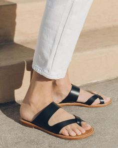 2019 Hot Outdoor Sandals Page 2 - gifthershoes Low Heel Sandals, Open Toe Sandals, Ankle Strap Sandals, Slide Sandals, High Heels, Simple Sandals, Block Sandals, Python Print, Flip Flop Shoes