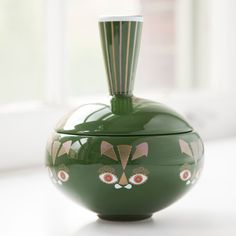 Hand made ceramic jar. Putte the Cat face with a pointy tail on the lid. Ceramic Shop, Ceramic Jars, Bowls, Tealight Candle Holders, Ginger Jars, Cat Face, Design Art, Interior Design, Objects