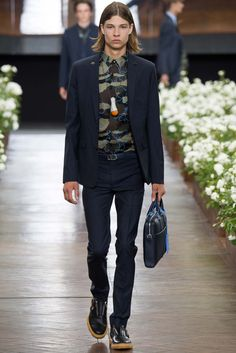 http://www.style.com/slideshows/fashion-shows/spring-2016-menswear/dior-homme/collection/6