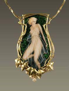 Super ideas for art nouveau jewelry lalique jewels Cameo Jewelry, Jewelry Art, Antique Jewelry, Vintage Jewelry, Gold Jewelry, Cameo Necklace, Antique Necklace, Jewellery Box, Gold Necklace