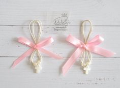 Greek Wedding Shop - Pink Bow Martyrika. Witness Pins for your godchild's baptism ceremony (http://www.greekweddingshop.com/pink-bow-martyrika/)
