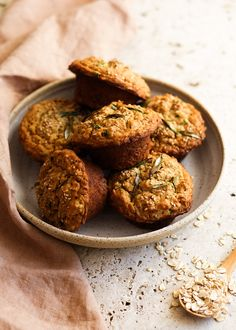 Savory Miso Oatmeal Muffins! The perfect handy breakfast that will be sure to keep you going all ... Savory Oatmeal, Oatmeal Muffins, Healthy Breakfast Muffins, Breakfast Options, Fabulous Foods, Creative Food, Baked Goods, Cooking, Recipes