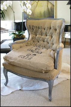 Worn out burlap chair Shabby Chic Furniture, Painted Furniture, Diy Furniture, Furniture Design, Burlap Chair, Burlap Curtains, Burlap Bedroom, Rustic Chair, Burlap Fabric