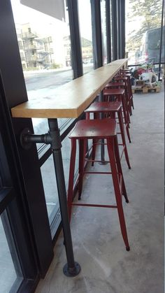 Bar Made with 1 Iron Pipe and Solid Wood Top / Industrial Bar - Restaurant design Coffee Shop Design, Cafe Design, Design Design, Wood Bar Top, Window Bars, Restaurant Interior Design, Modern Restaurant, Restaurant Exterior, Restaurant Restaurant
