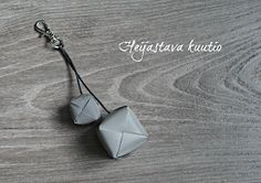 Yours, S: [DIY] HEIJASTAVA KUUTIO Crafty Craft, Upcycle, Diy Projects, Kawaii, Diy Crafts, Diys, Upcycling Ideas, Gift Ideas, Jewelry