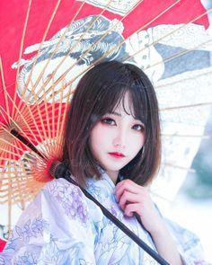 [SEASONS 1 SELESAI]   SEMUA ISI CERITA ADALAH KARANGAN AUTO SEMATA!!!… #vampire #Vampire #amreading #books #wattpad Hot Japanese Girls, Beautiful Japanese Girl, Beautiful Asian Girls, Cute Asian Girls, Cute Girls, Poses References, Human Poses, Japan Girl, Kawaii Girl