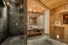 In the heart of Val d'Isere, Chalet Lhotse offers opulent interiors, magnificent views, and an exquisite spa. Chalet Chic, Chalet Style, Ski Chalet, Chalet Design, Chalet Interior, Interior Design Living Room, Indoor Jacuzzi, Diy Bathroom, Master Bathroom