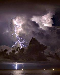 Descarga elétrica nuvem-terra