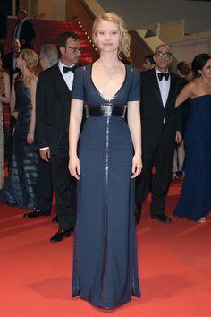 Mia Wasikowska en robe Louis Vuitton sur-mesure http://www.vogue.fr/sorties/on-y-etait/diaporama/les-plus-belles-robes-du-festival-de-cannes-2014/18787/image/1002077#!les-plus-belles-robes-festival-de-cannes-2014-mia-wasikowska-en-robe-louis-vuitton-sur-mesure