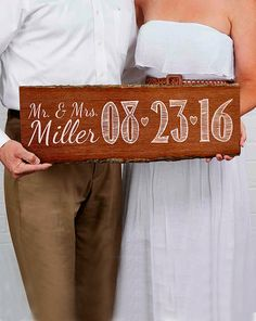 Gift This Personalized Wedding Day Plank Sign To Your Best Friend So She Can Announce Her Ideas For Bridal