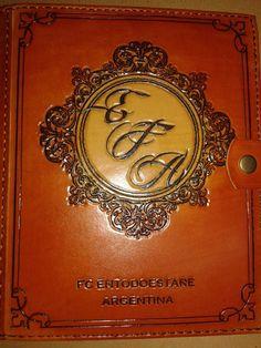 agenda artesanal tapas cuero genuino grabados personalizados