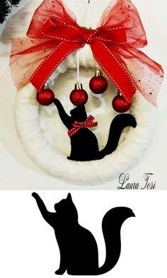 Preparando o Natal : 24 Super Ideias Para a Decoração Natalina Easy Christmas Decorations, Holiday Wreaths, Holiday Crafts, Fun Crafts, Simple Christmas, Christmas Crafts, Christmas Ornaments, Couronne Diy, Cat Quilt Patterns