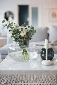 White Harmaja focuses heavily on interior design and home decoration in a modern timeless Table Flowers, Diy Flowers, Flower Vases, Flower Decorations, White Flowers, Beautiful Flowers, Table Decorations, Deco Floral, Arte Floral