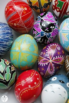 Here's an Easter egg craft that will last a lifetime! These pysanky, Ukrainian wax-and-dye Easter eggs, are a fun DIY family craft that will last for years. #FUN