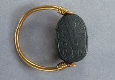 Scarab Ring of the Sealer Khensu Period: Middle Kingdom Dynasty: Dynasty 13 Date: ca. Geography: Egypt Medium: Green jasper scarab on gold ring Jasper Egypt Jewelry, Old Jewelry, Jewelry Art, Antique Jewelry, Jewelery, Ancient Egyptian Jewelry, Egyptian Art, Ancient Beauty, Ancient Artifacts