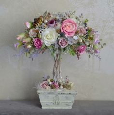 Pin on Ideas - Parties & Special Days! Flower Crafts, Diy Flowers, Flower Decorations, Flower Art, Paper Flowers, Beautiful Flowers, Wedding Decorations, Art Floral, Deco Floral