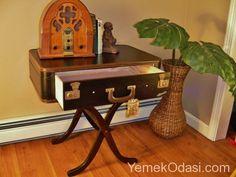 Vintage Sehpa Tasarımları Vintage parçalar artık paha biçilmez. Çünkü vintage mobilyalar bugünün popüler mobilyalarıdır. Seçtiğimiz ahşap ve metal vintage sehpalar ile vintage dekorasyon oluşturabilir, hatta bazılarını sizlerde evlerinizde uygulayabilirsiniz. Vintage sehpa modelleri ile misafirlerinizi şaşırtabilir ve ik ... http://www.yemekodasi.com/vintage-sehpa-tasarimlari/  #EskitilmişSehpa, #Sehpalar, #VintageSehpaModelleri