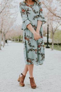 Midi Dress + Clogs Outfit | ROOLEE