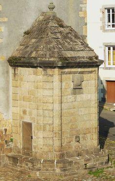 Brest, Recouvrance : La fontaine du pignon de la maison de la Fontaine