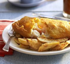 Golden beer-battered fish with chips: Cooking cod, hake or haddock in a super-crispy batter made from sparkling water steams the fish so it's really moist Fish Recipes, Seafood Recipes, Seafood Diet, Recipies, Cod Recipes, Dinner Recipes, Bbc Good Food Recipes, Cooking Recipes, Cooking Fish